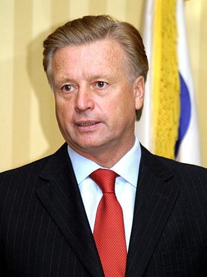 ...заявил об уходе с поста президента Олимпийского комитета России.