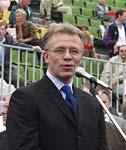 Председатель Госкомспорта Вячеслав Фетисов на праздновании Дня Физкультурника